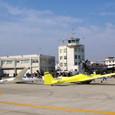 明野の滑走路を利用するグライダー