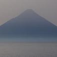 枕崎の磯からの開聞岳