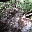 水太谷側の鎖場