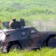 軽装甲機動車から射撃