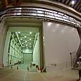 設備搬入用の巨大な扉