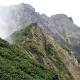 中岳を覆う赤岳