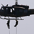 UH-1ラペリング