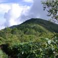 飯縄山南峰からの北峰