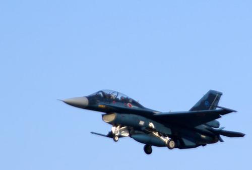 洋上迷彩のF-2だっ!!