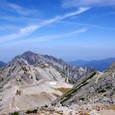真砂岳と別山の待つ縦走路