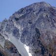 岩の固まりの劔岳