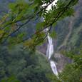 ナナマカドと滝