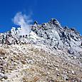 溶岩ドームと噴気口