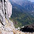 北峰の巨石岩盤